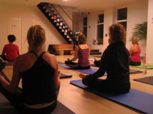 Buddha Balance Yoga in balans Groningen Yoga Sessie 08 09 2014 01 300x224 Yoga Groningen   Home