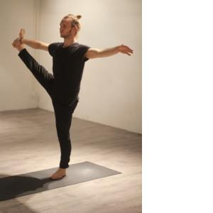 Balans WORD 300x300 Yoga Poses   Echte aanraders